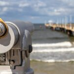 Binoculars Telescope Watch Beach  - analogicus / Pixabay